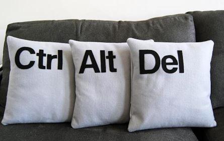 ctrl-alt-del-pillow-set-2-maxw-445